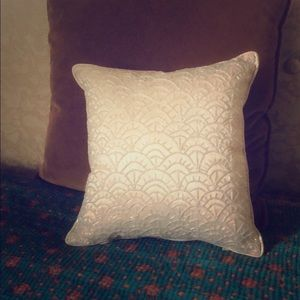 White Swan Beaded Vintage Pillow